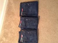 Very nice men jeans name brand . New IZOD Jeans I have