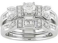 Descripcin This uniquely designed engagement ring set