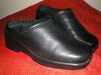 Hardly worn leather Worthington shoe size 7 1/2 med..