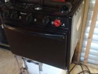 New magic chief, 3 burner stove, Oven, propane, I got