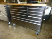 This tool box is made with a high grade stainless steel