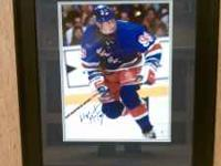 Wayne Gretzky 11 x14 autographed photo with C.O.A.