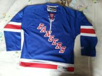 New York Rangers Hockey jersey. Size L New without