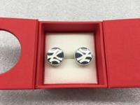 Item Condition: Classically styled cufflinks measure