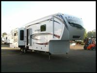 NEW 2013 KEYSTONE ALPINE 3535RE SOLID 5th WHEEL