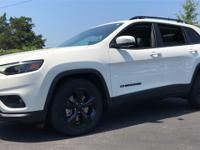 Pearl White 2019 Jeep Cherokee Altitude FWD 9-Speed