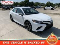 Super White 2019 Toyota Camry SE FWD 8-Speed Automatic