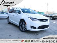 Bright White Clearcoat 2020 Chrysler Pacifica Limited