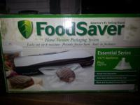 For sale is a Food Saver V475. The box has actually