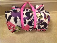New So cute ! Rolls up and straps wrap around both