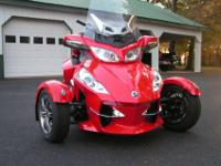 This is a 2012 CAN-AM SPYDER RT-S SE5. It is Red, It is