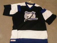Sizes XL Perfect Condition Tampa Bay Lightning &