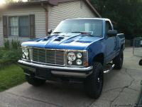 Nice Chevy 4x4 ,80% redone 350 4 Bolt. I will try to