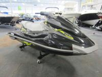 NICE 2015 YAMAHA VX DELUXE WITH ONLY 20 HOURS! Standard