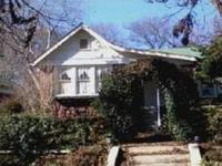 Check out this nice 3/1 fixer upper home! 2 parking