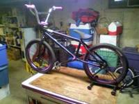 it has fit frame, fly race bars, eastern double shot