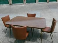 Type:FurnitureType:Antiques It's in great shape no