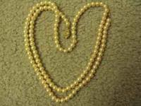 Very pretty estate costume pink pearl necklace and