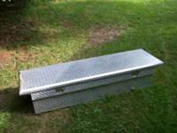 diamond plate tool box out of a Silverado lock and key