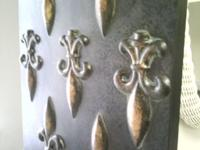 NICE METAL WALL DECORATION $25.00 cash **** SET OF