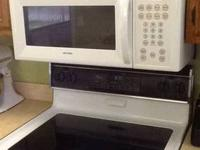 Hotpoint Over the Range Microwave in Great condition