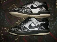 HI I HAVE A VERY NICE PAIR OF NIKE SHOES SIZE 6Y. THEY