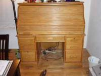 Large Oak Roll top desk,in excellent condition,this is