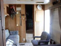 Nice Skyline 5th wheel 30 FOOT.   Very clean and