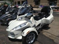 Nice Pre-owned 2014 Can-Am Spyder RT Limited in White,