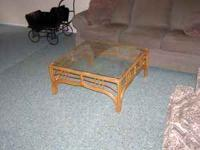NICE RATTAN ROUND COFFEE TABLE WITH GLASS TOP!! $50