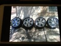 I have 4 Rims 4-Hole 17 universal call or text Raul