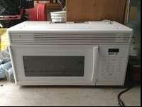 Nice microwave, works great, got a stainless steel one