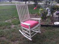 I'm selling this nice white rocking chair with cushion