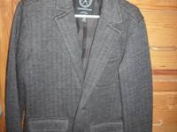 NICE SUIT COAT/JACKET YOUNG MANS SIZE MEDIUM GRAY/BLACK