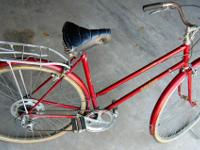This is a vintage early 70's Raleigh Sprite A rear