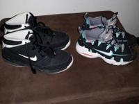 3132181721 Text  Nike black/White size 6 Second pair