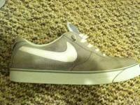Grey nike 6.0 in new condition. Bought them for 90 a