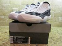 Nike Air Jordan 11 Retro Low Size 13. Wht/Metallic
