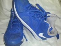 $25 FOR BLUE NIKE DUAL FUSION KENTUCKY BLUE SIZE 5.5 5