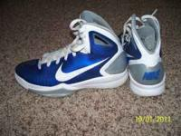 I pair of slightly used Nike hyperdunk basketball shoes