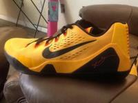 Nike Kobe lx em Bruce lee (646701-700) new with out box