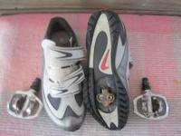 1 Pair of Nike ladies cycle shoes SIZE 6 with clips,