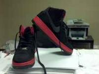 NIKE SHOES SIZE 9 WORN A COUPLE OF TIMES ANY QUESTIONS