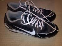 I HAVE A PAIR OF LIKE NEW NIKE BASEBALL CLEATS THAT