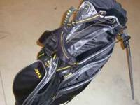 FOR SALE - Nike SQ Golf Bag with Stand....in Like New