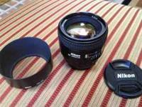 Like new Nikon 85mm f/1.8D lens for Nikon DSLR. Like