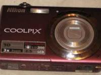 Nikon COOLPIx Camera works almost looks brand new..no