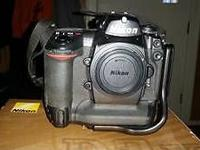 Real nice Nikon D2x camera body only, Professional