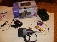 Nikon Coolpix 995 Digital Camera Complete Package,