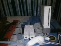 Nintendo Wii in excellent conditions come with two